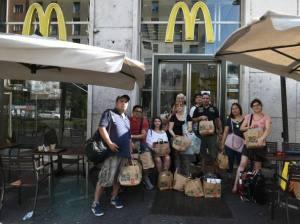 Cierra el McDonalds de San Babila, Milano